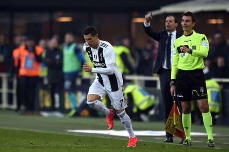 Ronaldo vào sân