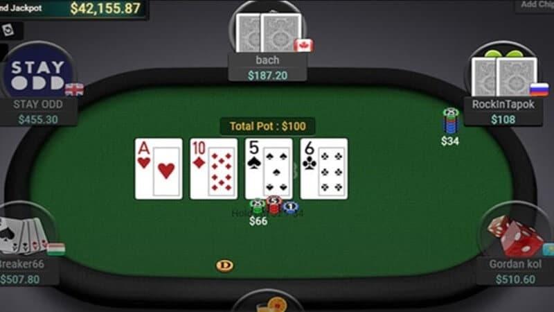 Poker online hấp dẫn nhiều người chơi